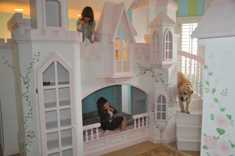 Braun Princess Castle Bunk Bed with Dog