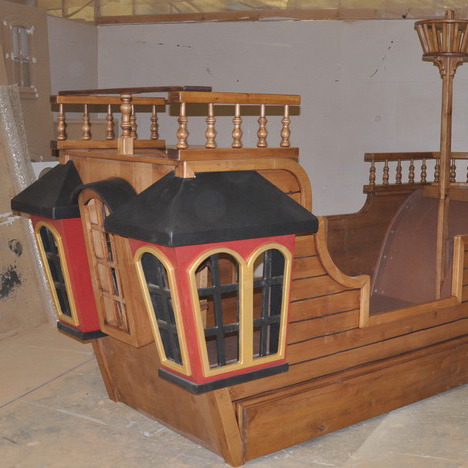Pearl Pirate Ship Bed with Trundle