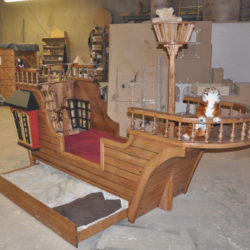 Pearl Pirate Ship Bed with Trundle (twin size)