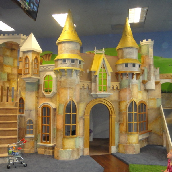 Magnificent Wizard of Oz Castle Playhouse