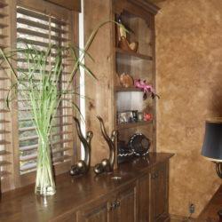 Glazed knotty alder hutch w bookshelves