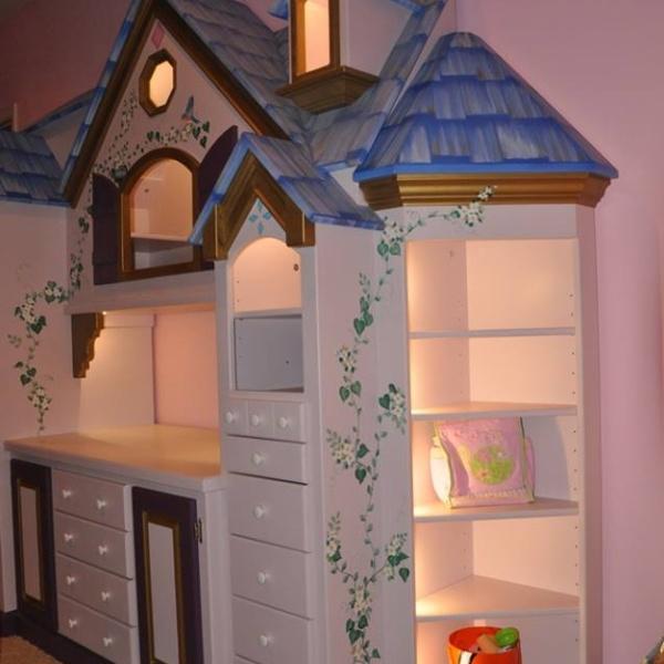Princess Castle Dresser