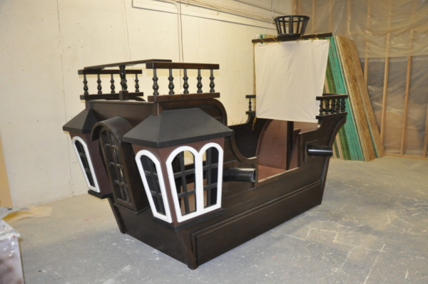 Pirate Ship Playhouse with sail and trundle