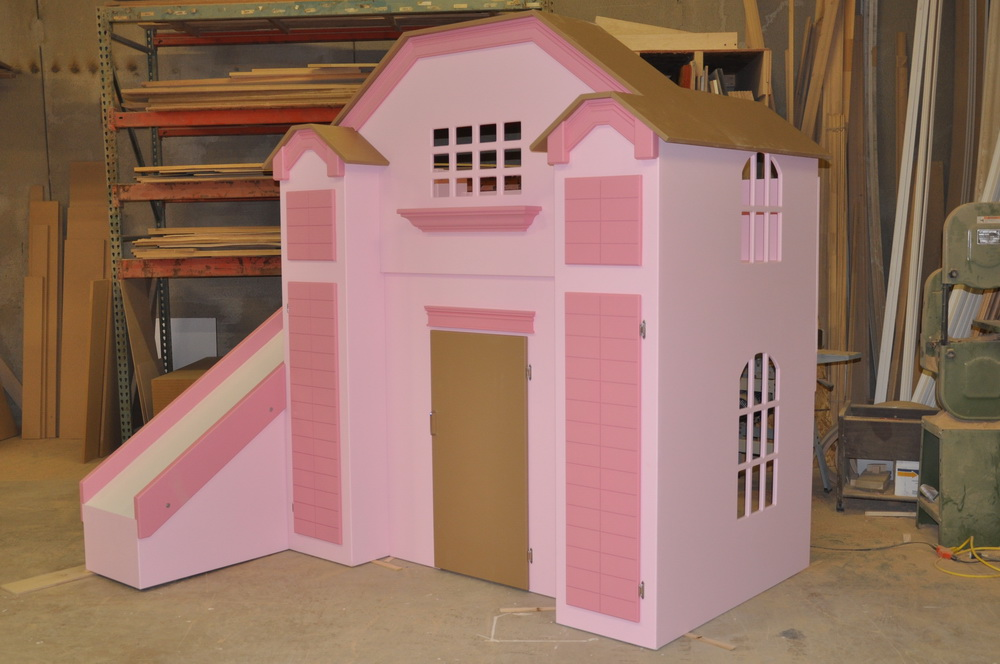 McKenzie Bed / Indoor Playhouse