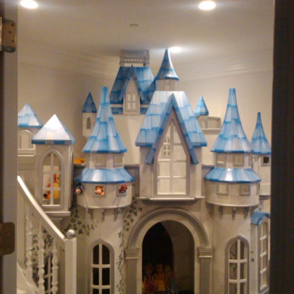 Small Wizard of Oz Castle Playhouse