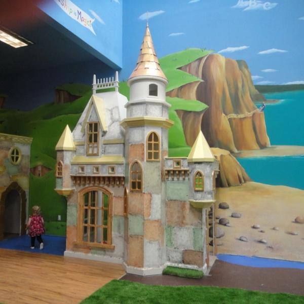 Fantastic Wizard of Oz Castle Playhouse